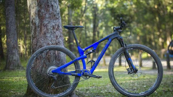 FIRST LOOK: Norco Revolver 9.2 FS