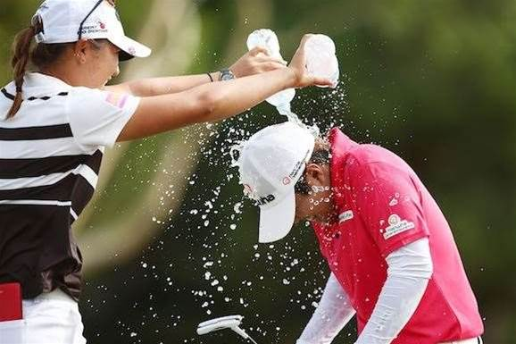WOMEN'S OPEN: Nomura stunning in historic victory