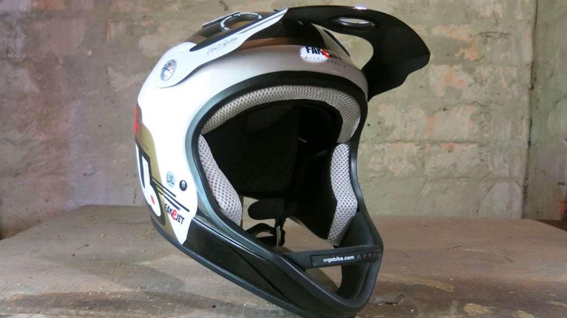 tested urge archi enduro helmet australian mountain. Black Bedroom Furniture Sets. Home Design Ideas