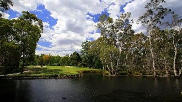 REVIEW: Kew Golf Club