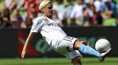 Jess Fishlock powers through pain barrier for championship