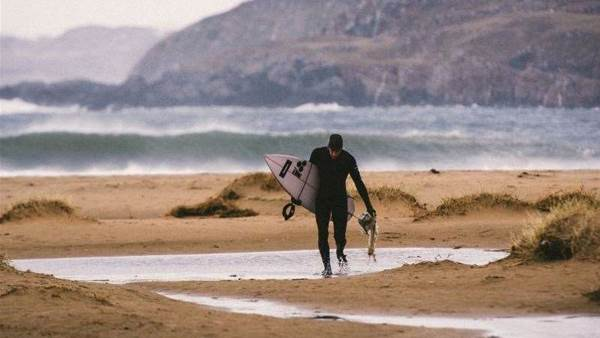 Aussie Noah Lane Wins The Magicseaweed Winter Session Award
