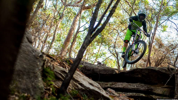 FIRST LOOK: Rocky Mountain Maiden WC and Specialized Demo 8 Alloy
