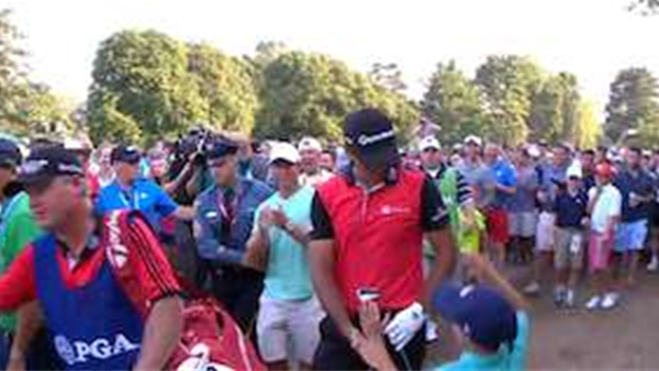 VIDEO: Jason Day makes a fan for life