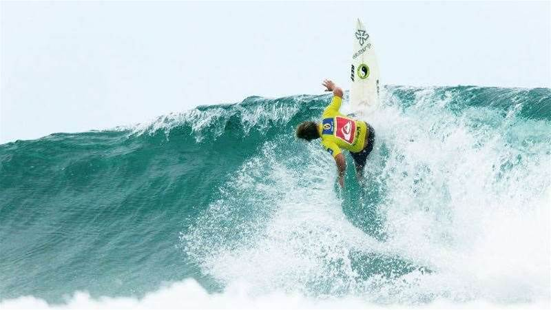 Legendary Aussie goofy Mick Lowe talks J-Bay on your backhand