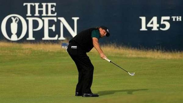 THE OPEN: Mickelson makes hay while the sun shines