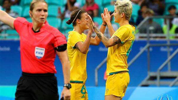 Australia win 6-1 over Zimbabwe for a quarter finals spot in Rio