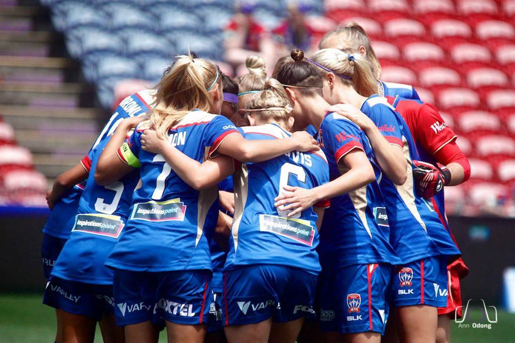 Newcastle Jets keep youthful core for Season 9