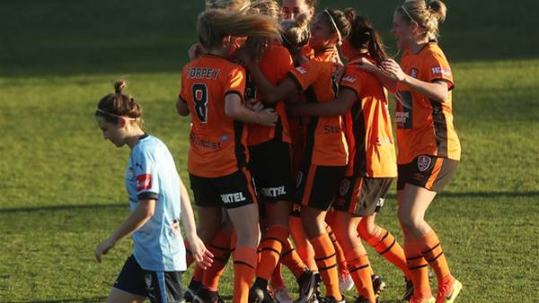 Brisbane Roar defeat Sydney FC in the opening match
