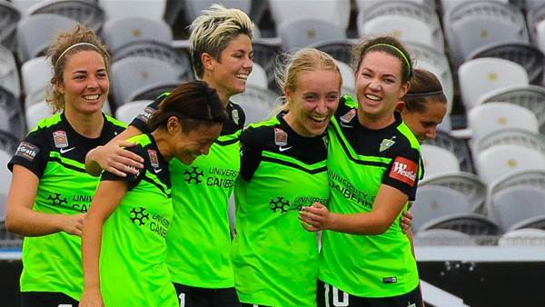 Canberra United dominant in 5-1 Brisbane Roar win