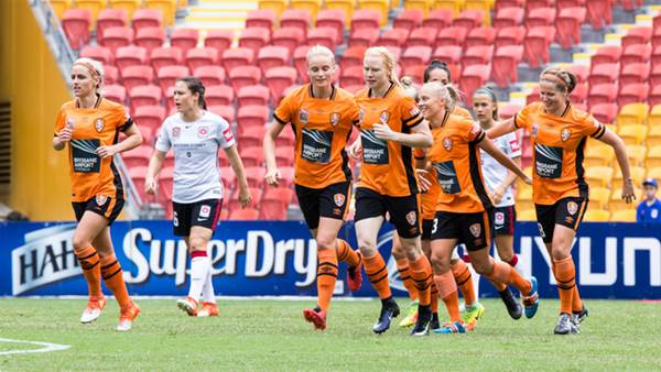 Brisbane Roar keep finals hopes alive with Wanderers win