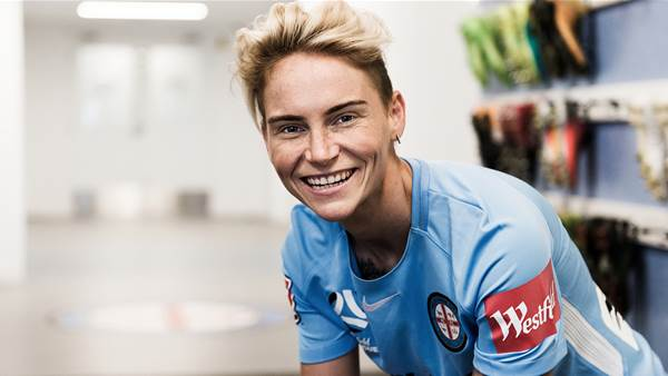 Jess Fishlock returns for fifth W-League season