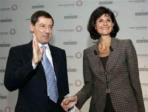 Bush approves Lucent sale to France's Alcatel