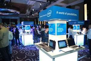 Intel demonstrates early Moorestown devices