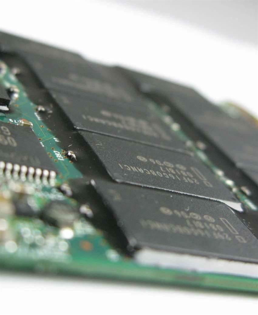 Elpida develops 4Gb SDRAM