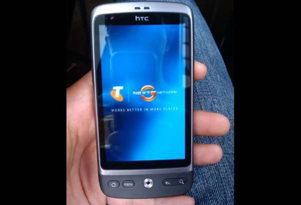 Sneak Peek: Telstra's first Android phone, the HTC Desire