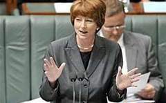 "Gillard cautions against ""savage"" NBN cuts"