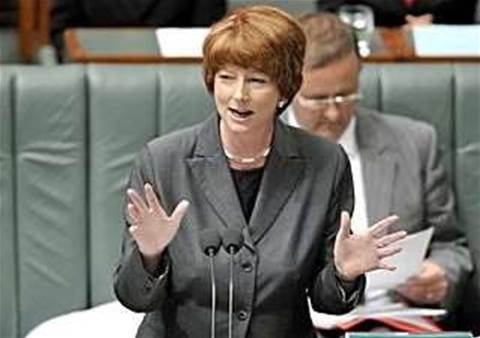 "Gillard cautions against ""savage"" NBN cuts"
