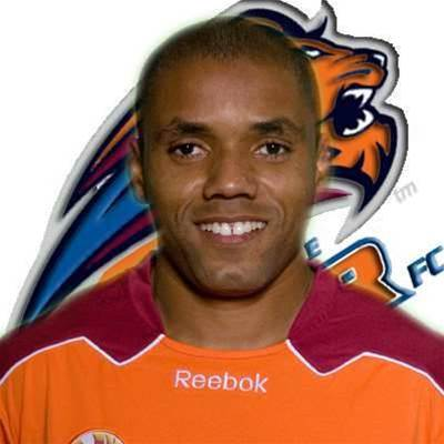 Three More For Roar's Henrique