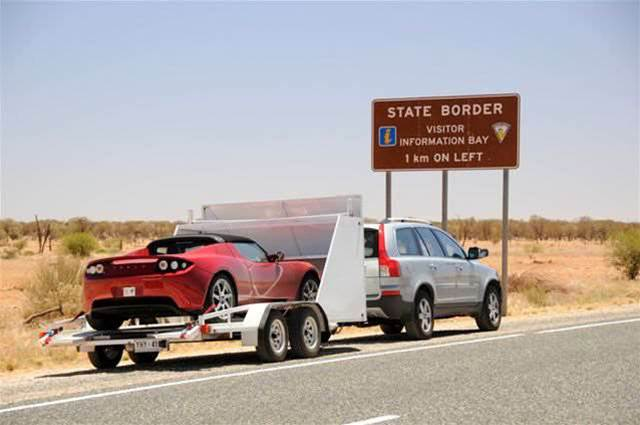 High-speed Tesla shakes up 3000km Australian desert car race
