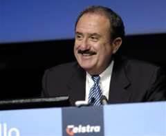 Sol Trujillo steps down as Telstra chief