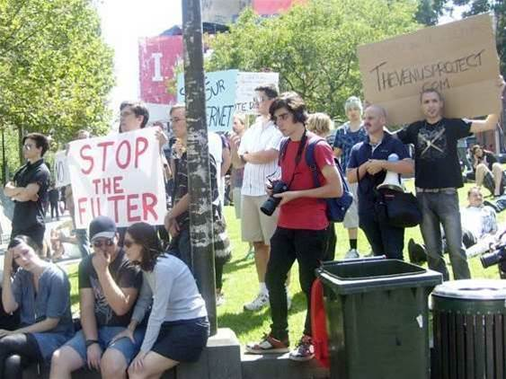 Not all welcome at Perth anti-filter rally