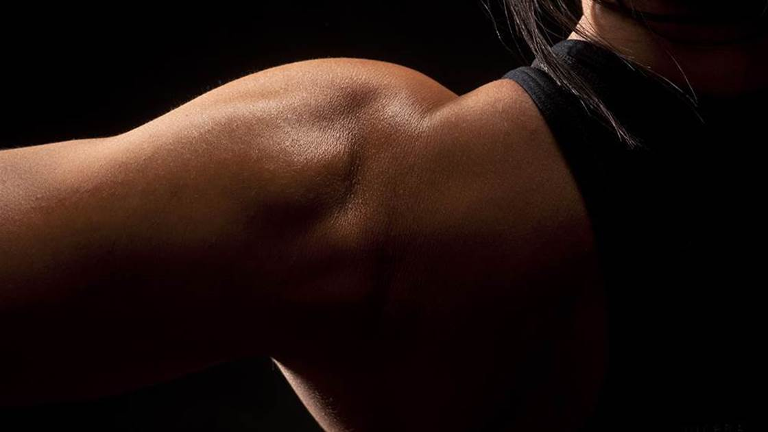 The Machine You're Skipping At The Gym That Will Seriously Tone Your Shoulders