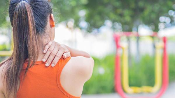 5 Upper Back Pain Causes You Can Easily Fix