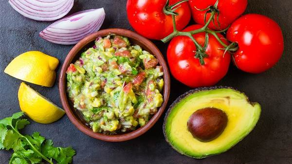 10-Minute Guacamole Recipes You Can Make For Less Than $10