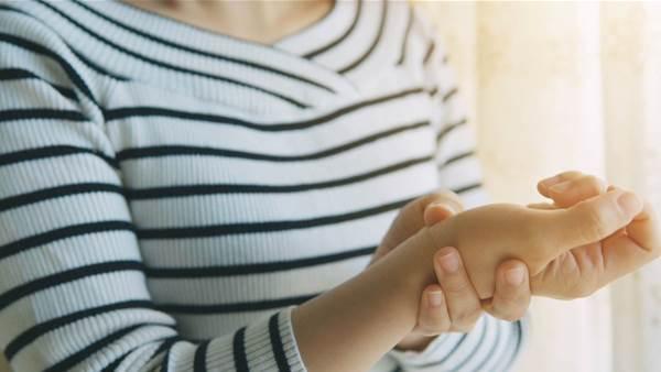 12 Rheumatoid Arthritis Symptoms You Shouldn't Ignore