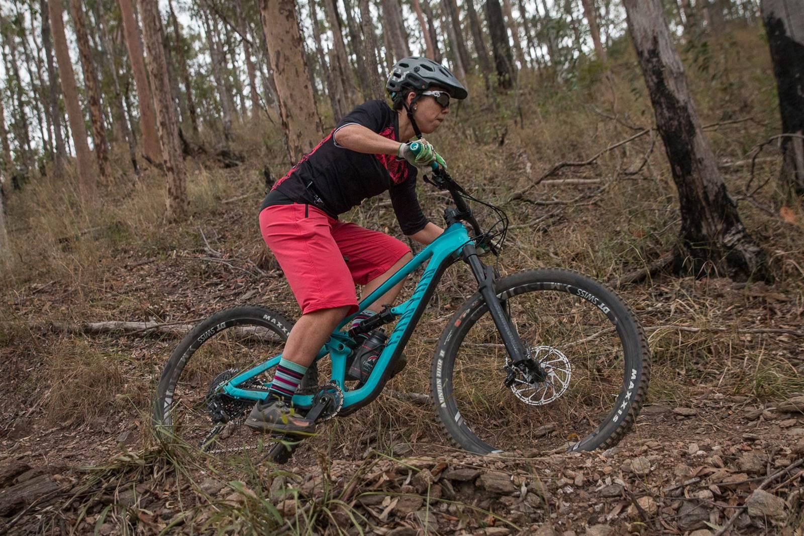 TESTED: Canyon Spectral Women CF 8 0 - Australian Mountain