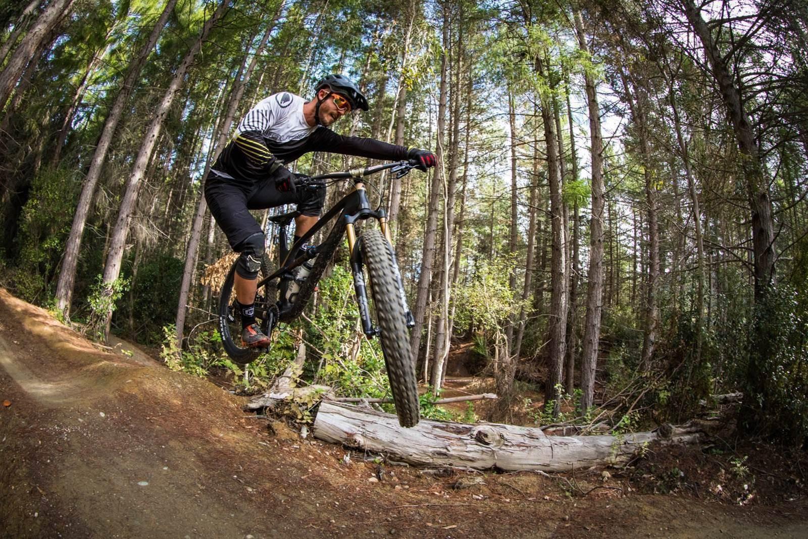 TESTED: Canyon Spectral CF 9 0 SL - Australian Mountain Bike