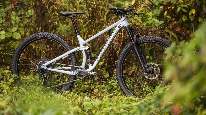 Singletracks Readers Pick The Best Trail Bikes On 2017 Top Rated Mountain Include