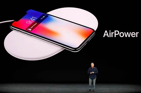 Apple, in rare reversal, pulls plug on wireless charging mat