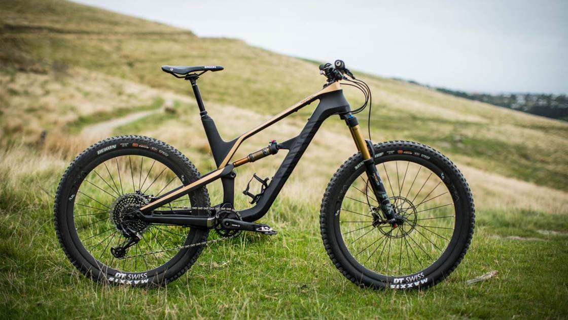 FIRST LOOK: Canyon Spectral CF 9 0 SL - Australian Mountain