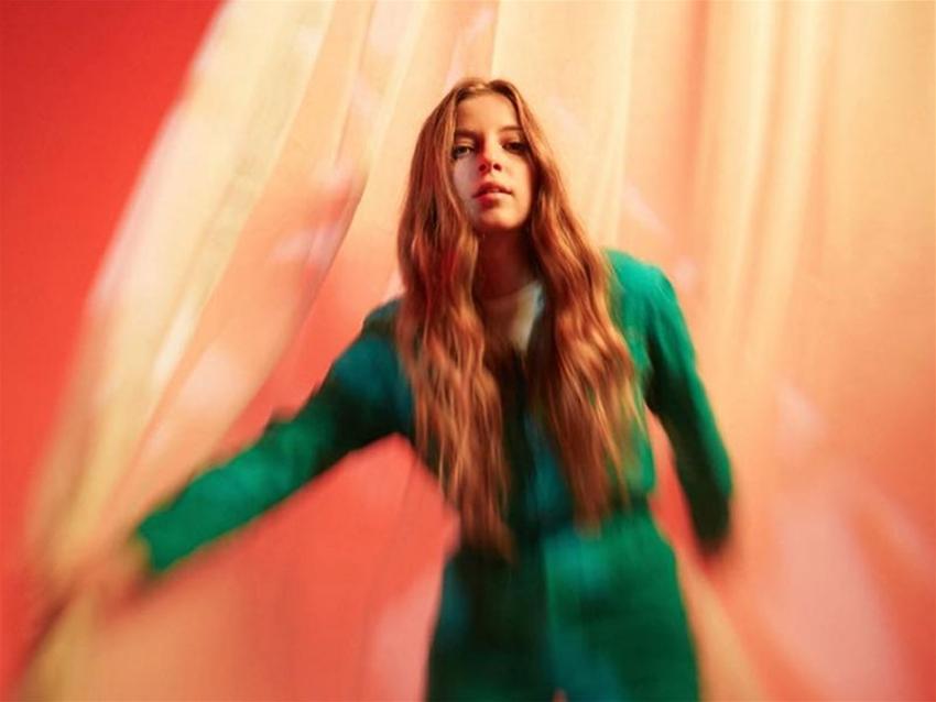 tunesday – jade bird interview • music • frankie magazine • australian  fashion magazine online
