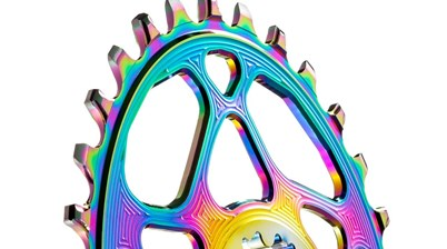 Win 1 of 4 AbsoluteBlack PVD Rainbow Oval chain rings!