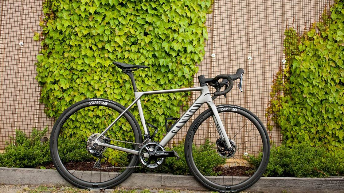Unboxing a Canyon Ultimate CF SLX Disc 9.0