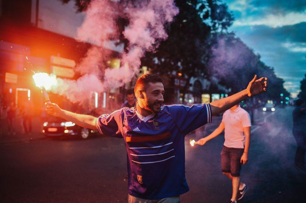 Bumper pic special: Paris' wild World Cup party!
