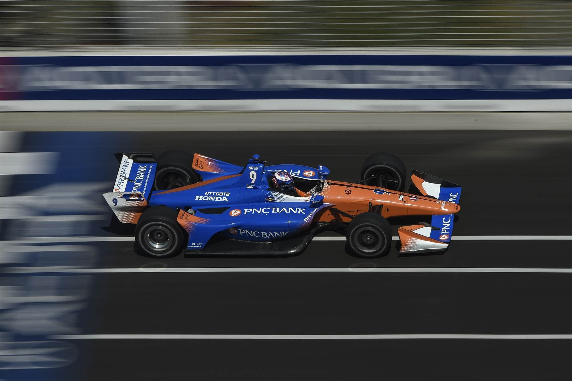 Dixon triumphs in Toronto Indy