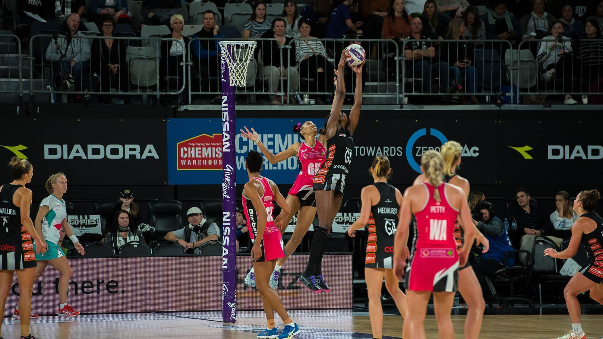Pic special: Collingwood v Thunderbirds