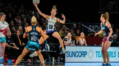 Epic Super Netball Showdown: Vixens v Lightning Pic Special