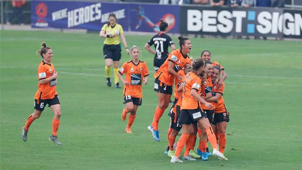 Awesome Sideline Gallery: Wanderers vs Roar