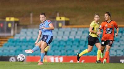Awesome Sideline Gallery: Caitlin Foord's Final Sydney Match