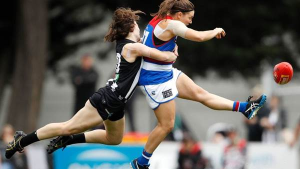 10 Best (and Worst) AFLW photos from Round 5