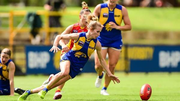 10 Best (and Worst) AFLW photos from Round 6