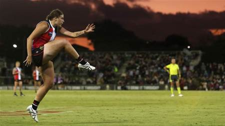 10 Best (and Worst) AFLW photos of 2020