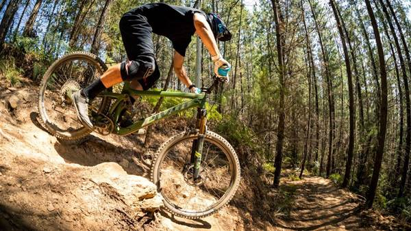 TESTED: Pivot Switchblade