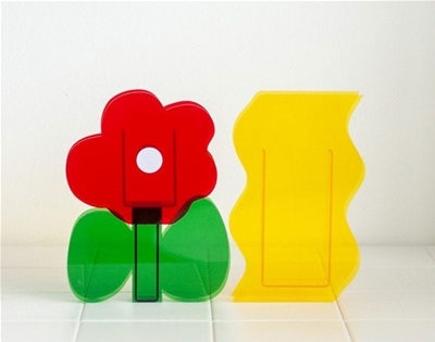vases of a different kind