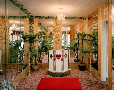 photographer jane hilton captured eerie vegas chapels